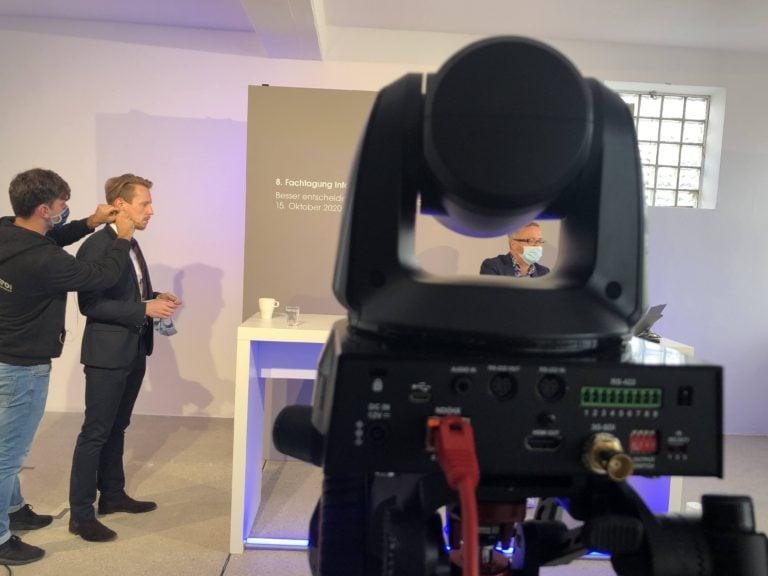 Moderator CA Livestream